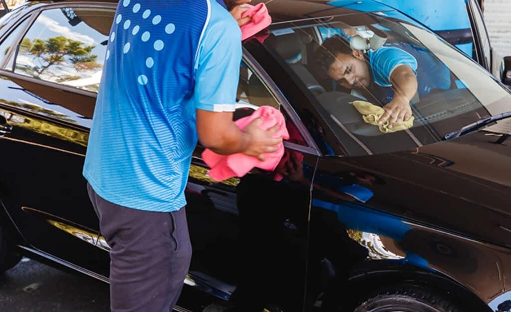 lavaggio auto senza acqua